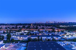 Photo 2: 1703 2232 DOUGLAS Road in Burnaby: Brentwood Park Condo for sale (Burnaby North)  : MLS®# R2428510