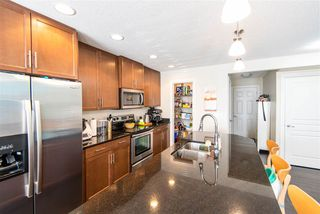 Photo 3: 2026 69A Street SW in Edmonton: Zone 53 House Half Duplex for sale : MLS®# E4200754