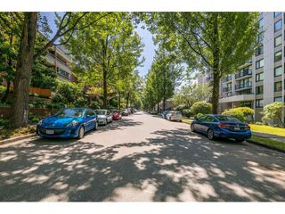 """Photo 17: 703 1330 HARWOOD Street in Vancouver: West End VW Condo for sale in """"WESTSEA TOWERS"""" (Vancouver West)  : MLS®# R2464109"""