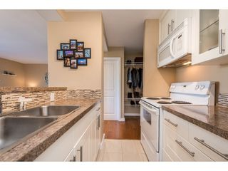 """Photo 4: 703 1330 HARWOOD Street in Vancouver: West End VW Condo for sale in """"WESTSEA TOWERS"""" (Vancouver West)  : MLS®# R2464109"""