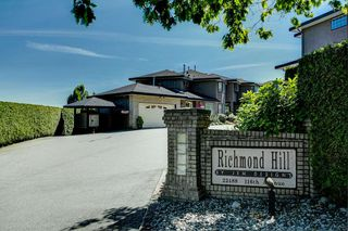 """Photo 1: 16 22488 116 Avenue in Maple Ridge: East Central Townhouse for sale in """"Richmond Hill"""" : MLS®# R2467601"""