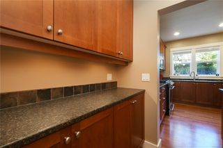 Photo 9: 4010 South Valley Dr in : SW Strawberry Vale House for sale (Saanich West)  : MLS®# 857679