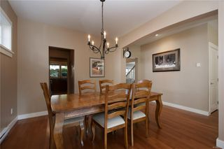 Photo 5: 4010 South Valley Dr in : SW Strawberry Vale House for sale (Saanich West)  : MLS®# 857679