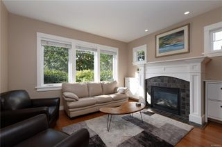 Photo 3: 4010 South Valley Dr in : SW Strawberry Vale House for sale (Saanich West)  : MLS®# 857679