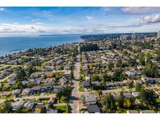 Photo 32: 15721 BUENA VISTA Avenue: White Rock House for sale (South Surrey White Rock)  : MLS®# R2508877