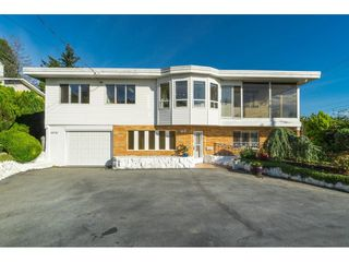 Photo 2: 15721 BUENA VISTA Avenue: White Rock House for sale (South Surrey White Rock)  : MLS®# R2508877
