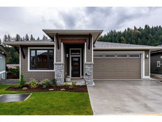 """Photo 1: 63 46110 THOMAS Road in Chilliwack: Vedder S Watson-Promontory House for sale in """"Thomas Crossing"""" (Sardis)  : MLS®# R2402428"""