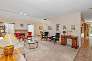 """Photo 3: 3660 BORHAM Crescent in Vancouver: Champlain Heights Townhouse for sale in """"THE UPLANDS"""" (Vancouver East)  : MLS®# R2454592"""
