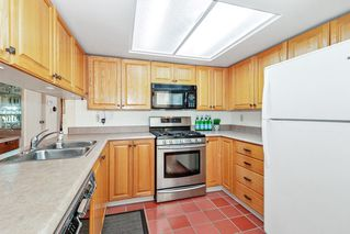 """Photo 6: 3660 BORHAM Crescent in Vancouver: Champlain Heights Townhouse for sale in """"THE UPLANDS"""" (Vancouver East)  : MLS®# R2454592"""