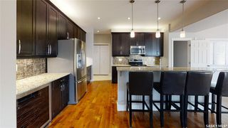 Photo 8: 422 Willowgrove Crescent in Saskatoon: Willowgrove Residential for sale : MLS®# SK808618