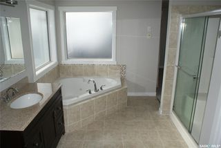 Photo 22: 422 Willowgrove Crescent in Saskatoon: Willowgrove Residential for sale : MLS®# SK808618