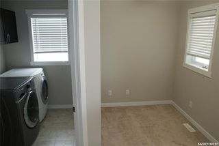 Photo 15: 422 Willowgrove Crescent in Saskatoon: Willowgrove Residential for sale : MLS®# SK808618