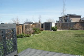 Photo 11: 422 Willowgrove Crescent in Saskatoon: Willowgrove Residential for sale : MLS®# SK808618