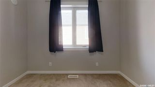 Photo 16: 422 Willowgrove Crescent in Saskatoon: Willowgrove Residential for sale : MLS®# SK808618