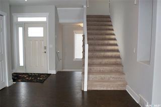Photo 13: 422 Willowgrove Crescent in Saskatoon: Willowgrove Residential for sale : MLS®# SK808618