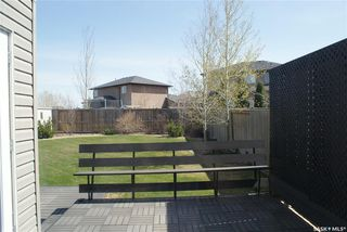Photo 10: 422 Willowgrove Crescent in Saskatoon: Willowgrove Residential for sale : MLS®# SK808618