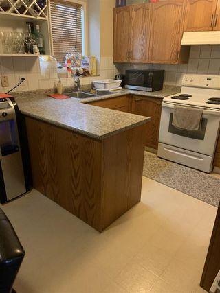 Photo 3: 2712 49A Street in Edmonton: Zone 29 House for sale : MLS®# E4198427