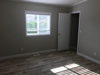 """Photo 12: 25 24330 FRASER Highway in Langley: Murrayville Manufactured Home for sale in """"Langley Grove"""" : MLS®# R2476219"""
