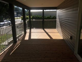"""Photo 17: 25 24330 FRASER Highway in Langley: Murrayville Manufactured Home for sale in """"Langley Grove"""" : MLS®# R2476219"""