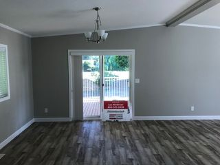"""Photo 8: 25 24330 FRASER Highway in Langley: Murrayville Manufactured Home for sale in """"Langley Grove"""" : MLS®# R2476219"""