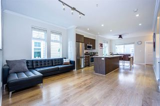 """Photo 4: 7 1111 EWEN Avenue in New Westminster: Queensborough Townhouse for sale in """"English Mews"""" : MLS®# R2405699"""