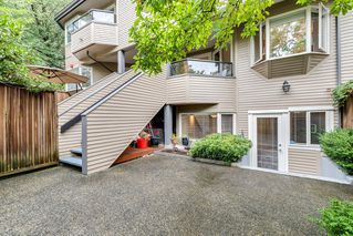 "Photo 18: 2411 W 1ST Avenue in Vancouver: Kitsilano Townhouse for sale in ""BAYSIDE MANOR"" (Vancouver West)  : MLS®# R2408792"
