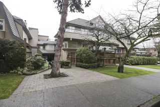 "Photo 17: 2411 W 1ST Avenue in Vancouver: Kitsilano Townhouse for sale in ""BAYSIDE MANOR"" (Vancouver West)  : MLS®# R2408792"