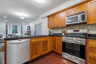 """Photo 2: 784 ST. GEORGES Avenue in North Vancouver: Central Lonsdale Townhouse for sale in """"St. Georges Row"""" : MLS®# R2409254"""