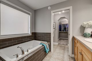 Photo 9: 827 EAGLESON Link in Edmonton: Zone 57 House for sale : MLS®# E4176853