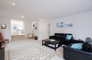 Photo 9: 5423 WALLACE Avenue in Delta: Pebble Hill House for sale (Tsawwassen)  : MLS®# R2445227