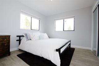 Photo 14: 5423 WALLACE Avenue in Delta: Pebble Hill House for sale (Tsawwassen)  : MLS®# R2445227
