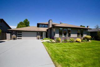 Photo 2: 5423 WALLACE Avenue in Delta: Pebble Hill House for sale (Tsawwassen)  : MLS®# R2445227