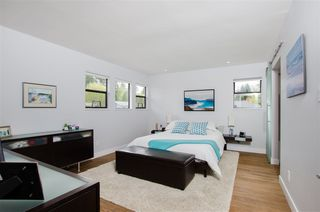 Photo 16: 5423 WALLACE Avenue in Delta: Pebble Hill House for sale (Tsawwassen)  : MLS®# R2445227