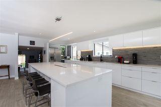 Photo 6: 5423 WALLACE Avenue in Delta: Pebble Hill House for sale (Tsawwassen)  : MLS®# R2445227