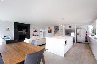 Photo 7: 5423 WALLACE Avenue in Delta: Pebble Hill House for sale (Tsawwassen)  : MLS®# R2445227