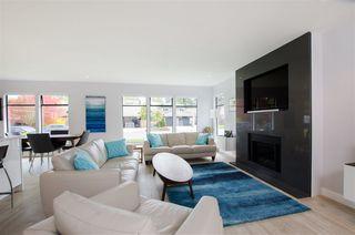 Photo 4: 5423 WALLACE Avenue in Delta: Pebble Hill House for sale (Tsawwassen)  : MLS®# R2445227