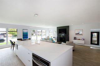 Photo 8: 5423 WALLACE Avenue in Delta: Pebble Hill House for sale (Tsawwassen)  : MLS®# R2445227
