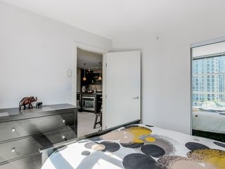"""Photo 11: 1005 1199 SEYMOUR Street in Vancouver: Downtown VW Condo for sale in """"Brava (south)"""" (Vancouver West)  : MLS®# R2498619"""
