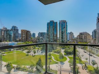 "Main Photo: 1005 1199 SEYMOUR Street in Vancouver: Downtown VW Condo for sale in ""Brava (south)"" (Vancouver West)  : MLS®# R2498619"