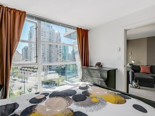 """Photo 10: 1005 1199 SEYMOUR Street in Vancouver: Downtown VW Condo for sale in """"Brava (south)"""" (Vancouver West)  : MLS®# R2498619"""