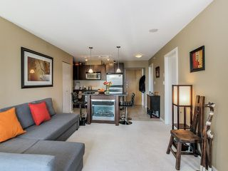 """Photo 2: 1005 1199 SEYMOUR Street in Vancouver: Downtown VW Condo for sale in """"Brava (south)"""" (Vancouver West)  : MLS®# R2498619"""