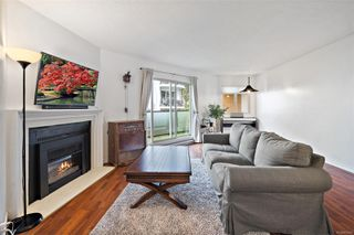 Photo 6: 206 1241 Fairfield Rd in : Vi Fairfield West Condo for sale (Victoria)  : MLS®# 858342