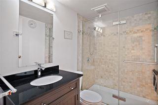Photo 11: 206 1241 Fairfield Rd in : Vi Fairfield West Condo for sale (Victoria)  : MLS®# 858342