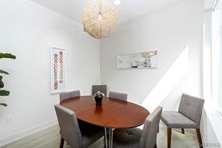 Photo 8: LA JOLLA Condo for sale : 2 bedrooms : 5702 La Jolla Blvd #209
