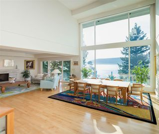 Photo 2: 6101 BONNIE BAY Place in West Vancouver: Gleneagles House for sale : MLS®# R2411519
