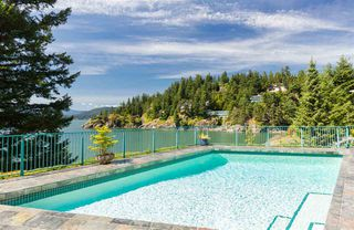 Photo 12: 6101 BONNIE BAY Place in West Vancouver: Gleneagles House for sale : MLS®# R2411519