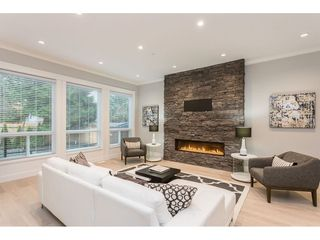 Photo 5: 19552 118B Avenue in Pitt Meadows: Central Meadows House 1/2 Duplex for sale : MLS®# R2430851