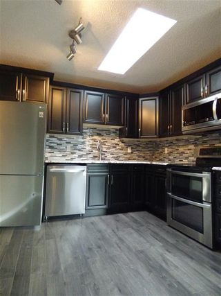 Photo 3: 8332 158 Avenue in Edmonton: Zone 28 House for sale : MLS®# E4201831
