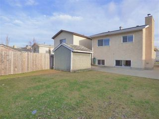 Photo 16: 8332 158 Avenue in Edmonton: Zone 28 House for sale : MLS®# E4201831