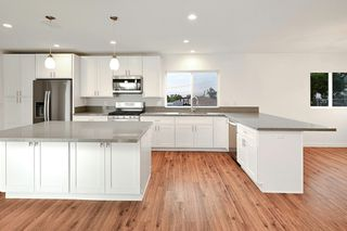 Photo 5: NATIONAL CITY House for sale : 4 bedrooms : 2136 22nd